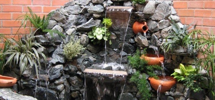 ¿Por qué armar una cascada artificial en tu jardín?