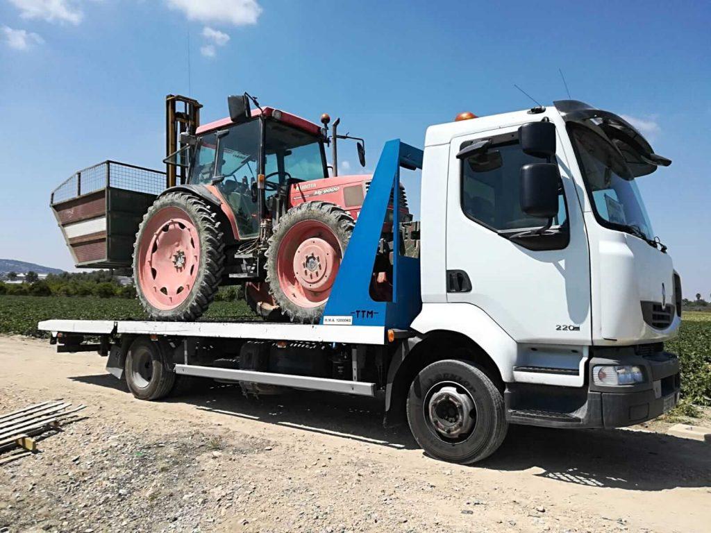 Transporte de maquinaria pesada con grúas especiales